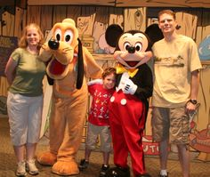 A Special Disney Helper!  A free Disney trip planning service for kids with special needs. Robyn @ travelwiththemagic.com