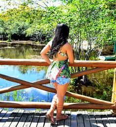 Look do dia: Bata com Estampa Tropical + gladiadora + look tropical + look praia + look espojado + look verão + praia o forte + tropical print