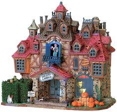 Lemax Dark Haven Lodge Halloween Train, Halloween Village, Halloween Art, Holidays Halloween, Happy Halloween, Halloween Decorations, Villas, Lemax Christmas, Halloween Miniatures