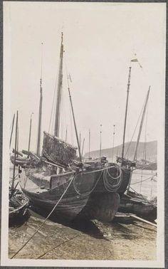 미국의 유명 소설가이자 아마추어 사진가였던 잭 런던이 러일전쟁 시기 종군기자로 조선을 방문해 찍은 사진을 모아 봤다. 잭 런던은 일본군을 따라 러일전쟁을 취재하면서 조선에 대한 글을 기고했고, 1982년 프랑스에서 '조선사람 엿보기'란 제목으로 책이 출판됐다. 2011년 한울출판사를 통해 번역되어 소개되기도 했다. OAC(Online Archive of California) 제공 Busan, Old Pictures, Sailing Ships, Korea, History, Antique Photos, Historia, Old Photos, Korean