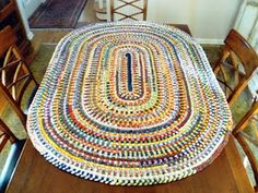 Lovely rag rug shared by City Home/Country Home at Knick of Time Tuesday.  Wish I had the patience to make one!
