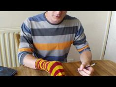 How to make a dinosaur sock puppet. Party craft/activity