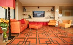 20 Beautiful Living Rooms with Geometric Carpet Patterns