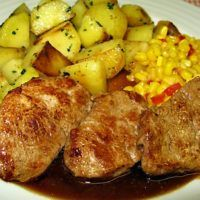 Recept : Vepřová panenka Madeira | ReceptyOnLine.cz - kuchařka, recepty a inspirace Czech Recipes, Snack Recipes, Snacks, Sausage, Steak, Good Food, Food And Drink, Pork, Menu