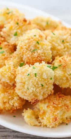 Parmesan Cauliflower Bites ~ Crunchy and addictive... Ready in less than 30 minutes