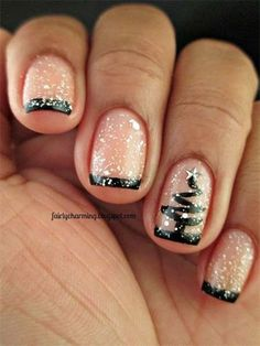 Like all those amazing nail designs you see at other women's nails and wondering hot you can DIY? We have found 7 cute nail designs step by step tutorials for fall that will demystify the process of creating nice nail art. Fancy Nails, Love Nails, Pretty Nails, Gorgeous Nails, Christmas Nail Art Designs, Holiday Nail Art, Christmas Tree Nail Art, Christmas Trees, Simple Christmas Nails