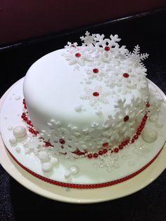 Christmas cake decor, love it! | I Love Christmas | Pinterest ...