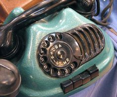 vintage phone This looks amazing! Anyone know anything about it?