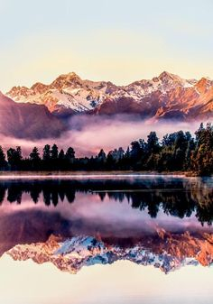 Lake Matheson - New Zealand. That's beautiful! New Zealand is on the bucket list for sure. Beautiful World, Beautiful Places, Places Around The World, Around The Worlds, Landscape Photography, Nature Photography, Black Photography, Adventure Photography, Travel Photography