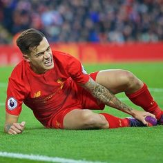 I should be happy about the win, but seeing coutinho injured breaks my heart ): I hope it's nothing serious, we have to stay positive!! YNWA ❤️ @phil.coutinho #lfc #ynwa #coutinho #philippe #magician #lovelfc #news #injuryupdate #lallana #philippecoutinho #sunderland #livsun #origi #milner #l4l #likeforlike #injury #premierleague #klopp #red #reds