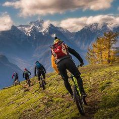 Bike with your friends - berto - Mountain Biking Pictures - Vital MTB Road Cycling, Cycling Bikes, Road Bike, Cycling Art, Cycling Jerseys, Mtb Trails, Mountain Bike Trails, Bike Photo, Trail Riding