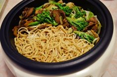 Sukiyaki rápido na panela de arroz