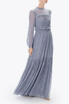 Discover embellished, embroidered & lace dresses at Needle & Thread, fit for every occasion. Shop embroidered floral gowns, sequin embellished dresses and more. Modest Dresses, Cute Dresses, Vintage Dresses, Beautiful Dresses, Simple Long Dress, Simple Dresses, Hijab Evening Dress, Evening Dresses, Kaftan Designs
