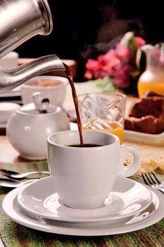 Coffee Time, Tea Time, Tea And Books, Yummy Drinks, Coffee Drinks, Tea Cups, Beverages, Breakfast, Tableware