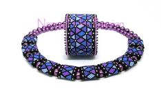 Geometric carrier bead pattern - PDF TUTORIAL ~ Mosaique Odd Count Peyote Bracelet & Double Carrier Bead Cover