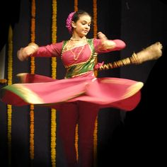 Kathak Dance  http://www.gii.in/India/kathak-dance-traditional-dance-in-northern-india/