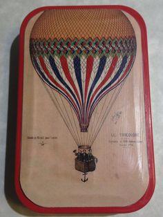"""Vintage"" hot air balloon altered altoid tin"