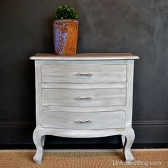 A Weathered Wood Look, From Annie Sloan's New Book
