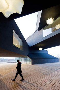 Stacking architecture design, Vitrahaus by Herzog & de Meuron #architecture
