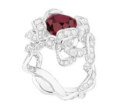 Dior Joaillerie bague Satine http://www.vogue.fr/joaillerie/shopping/diaporama/rubis-rouge-bagues-haute-joaillerie/19186/image/1011556#!dior-joaillerie-bague-satine-en-rubis