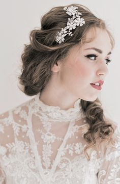 A beautiful way to wear the hairpiece with hair out.  Enchanted Atelier {Brielle} Swarovski Floral Comb    {Image Credit: Emme Wynn Photography; MUA Liz Wegrzyn; Model Leanne Hyer}