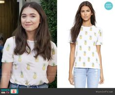 """Riley Matthews (Rowan Blanchard) wears this white pineapple printed tee in this episode of Girl Meets World, """"World Meets Girl"""". It is the Tory Burch Cathy Pineapple Tee. Riley Matthews, Tv Show Outfits, Girl Outfits, Disney Outfits, Red Sleeveless Hoodie, Girl Meets World Riley, Fashion Tv, Fashion Clothes, Fashion Outfits"""