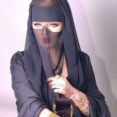 Muslim Women Fashion, Arab Fashion, Fashion Mask, Arab Girls Hijab, Girl Hijab, Muslim Girls, Beautiful Muslim Women, Beautiful Girl Image, Beautiful Hijab