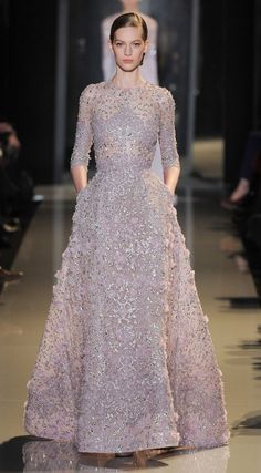 Paris Haute Couture: Elie Saab spring/summer 2013 #fashion #beautiful #pretty Please follow / repin my pinterest. Also visit my blog http://easyvegetarianmeals.org/