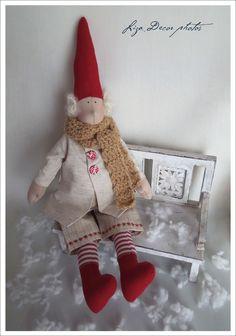 LIZA DECOR Swedish Christmas, Merry Christmas, Raggy Dolls, Elf On The Shelf, Holiday Decor, Crafts, Couture, Pixies, Home Decor