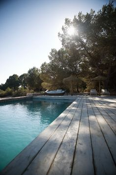 Ministry of Deco: Can Stanga, el lujo del relax en Formentera Jacuzzi, Villas, Formentera Spain, Outdoor Pool, Indoor Outdoor, Rue Verte, Pool Fashion, Fire Pit Patio, House By The Sea