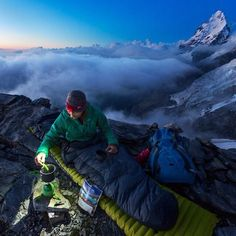 Climbing Over Mountains Camping And Hiking, Camping Life, Hiking Trails, Snow Camping, Get Outdoors, The Great Outdoors, Outdoor Life, Outdoor Camping, Trekking