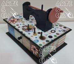 Caixa de Costura em MDF com Maquininha: Scrapbook, Decoupage e Pintura - Arte & Cia Santa Inês 6