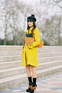 Not-Very-Mellow Yellow - I love everything she's wearing, from hat right down to the shoes!