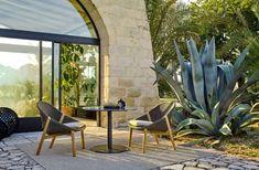 Elio collection by Yabu Pushelberg Outdoor Pool, Outdoor Rugs, Outdoor Spaces, Outdoor Living, Outdoor Decor, Techniques Textiles, Yabu Pushelberg, Low Chair, Building Renovation