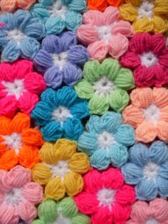 Mollie Flower Crochet Blanket Pattern : 1000+ images about Mollie flowers on Pinterest Crochet ...