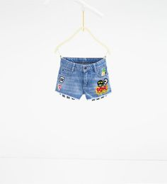 Denim Bermuda shorts with patches Girls 4, Short Girls, Baby Jeans, Summer Skirts, Kind Mode, Kids Wear, Kids Fashion, Denim Shorts, Outfits