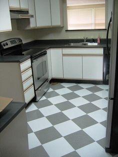 checkered kitchen tile gray and white Home Kitchens, Kitchen Floor Tile, Kitchen Remodel, Update Kitchen Cabinets, Kitchen Flooring, Kitchen Cabinet Doors, Flooring, New Kitchen Cabinets, Home Decor Kitchen