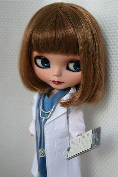 Dra. Meredith Grey, aquí tienes el informe...