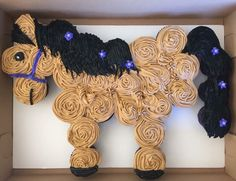 Pull Apart Horse Cake for Adaline Horse Birthday Parties, Cowgirl Birthday, Cowgirl Party, 3rd Birthday, Birthday Ideas, Birthday Cupcakes, Horse Birthday Cakes, Cupcake Torte, Cupcake Cake Designs