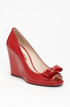 prada bow wedge in red patent