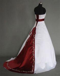 Hochzeitskleid für Königinnen ★ Weiß mit Stickerei und dunkel roter Schleppe ★ Für die Braut, die eine ganz besondere Hochzeit möchte ★ www.schmetterling-brautkleid.de