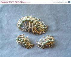 On Sale 60s Mid Century Silver Leaf Brooch Pearl by VendageTresors