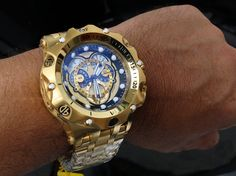 A sizable and hefty Invicta Venom Relogio watch. Clearly made for a man-sized wrist. Amazing Watches, Beautiful Watches, Cool Watches, Rolex Watches, Patek Philippe, Silver Pocket Watch, Popular Watches, Hand Watch, Luxury Watches For Men