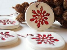 Ceramic Christmas ornament red and white home decor, gift tags