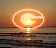 Georgia Bulldawgs! Georgia Bulldogs Football, Dog Football, Football Memes, Bulldog Wallpaper, College Football Season, Georgia Girls, University Of Georgia, College Fun, Cool Photos