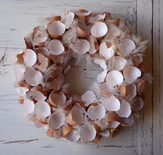Wreath with eggshells tinker at Easter – 20 DIY ideas for spring Christmas Mesh Wreaths, Easter Wreaths, Diy Easter Decorations, Christmas Decorations, Creation Deco, Decoration Inspiration, Shell Crafts, Diy Wreath, Spring Crafts