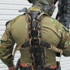 Australia's Diggerworks Studies Exoskeletons - Soldier Systems Daily Military Armor, Military Gear, Military Equipment, Taktischer Helm, Powered Exoskeleton, Tactical Armor, Futuristic Armour, Combat Gear, Tac Gear