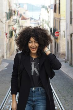 Happy in Lisbon | Samio | Natural Hair | Curls
