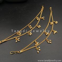 Golden Earchain with Moti Clusters - Two Layers Gold Chain Design, Gold Bangles Design, Gold Earrings Designs, Gold Jewellery Design, Gold Designs, Gold Jewelry Simple, Golden Jewelry, Golden Earrings, Anklet Jewelry