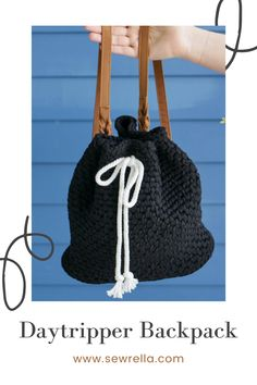 This daytripper backpack is the perfect tote bag for moms on the go! Take it with you for errands and shopping, or to the beach. My free pattern is super easy and versatile for everyday use. Modern Crochet Patterns, Crochet Stitches Patterns, Bag Patterns To Sew, Crochet Designs, Knitting Patterns, Sewing Patterns, Crochet Beach Bags, Crochet Shoes, Crochet Purses